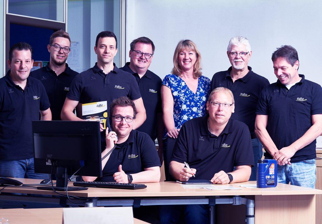 ein Foto des Service Teams von ELBE Gelenkwellen-Service