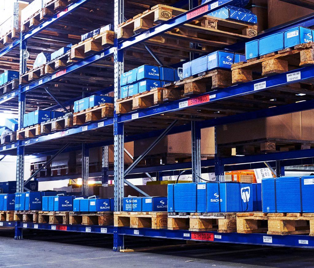 Foto vom Produkt- und Teilelager