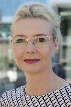 ein foto von Andrea Erdmann Ansprechpartnerin für Bewerber bei ELBE Gelenkwellen-Service